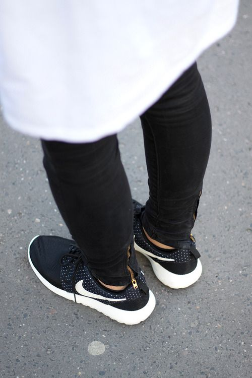 Black & White. Slim. Nike Roshe. Urban. Concrete. Style. Fashion. Details. +1