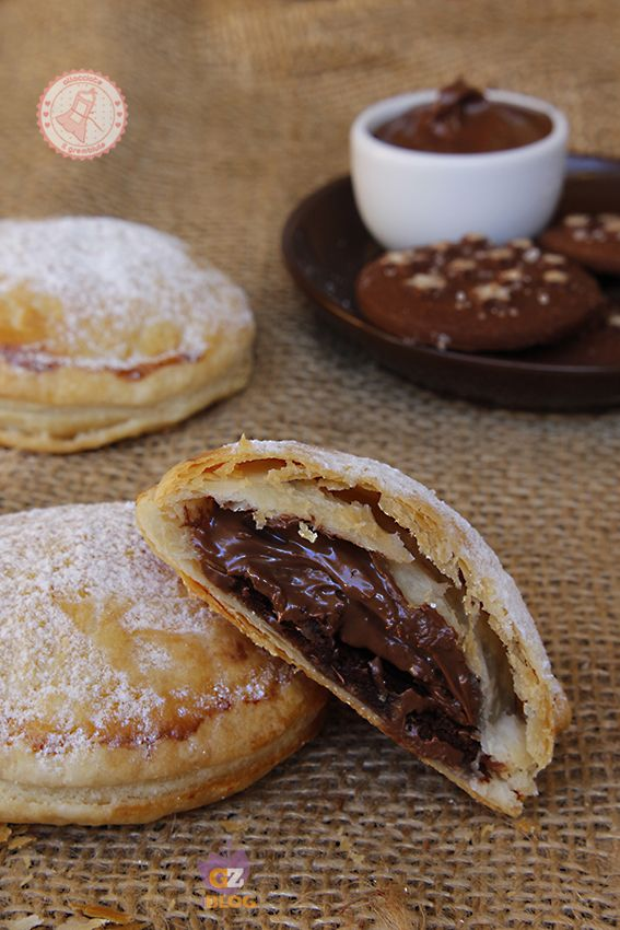 FAGOTTINI PAN DI STELLE E NUTELLA ricetta dolce veloce   ricette ... d2066c842d