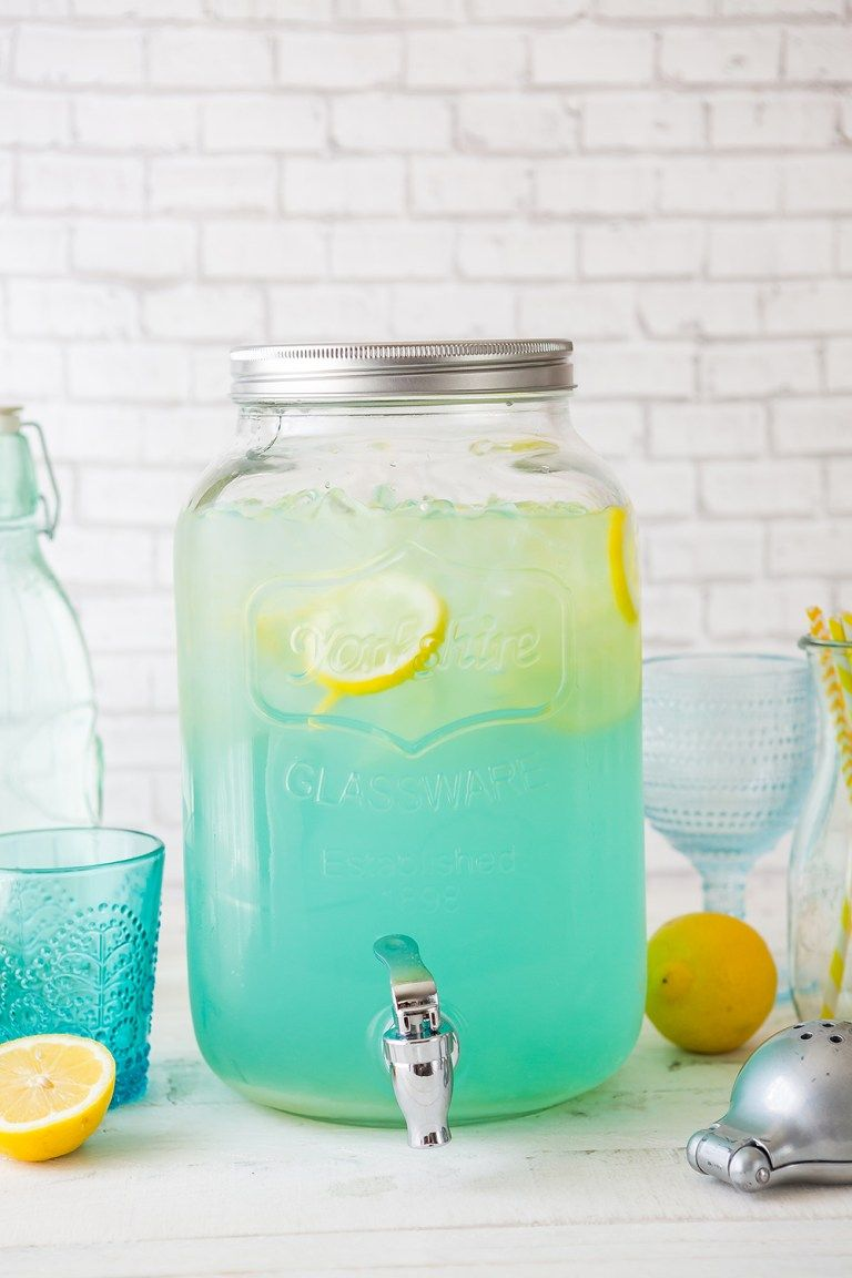 Blue Lemonade Party Punch #lemonadepunch
