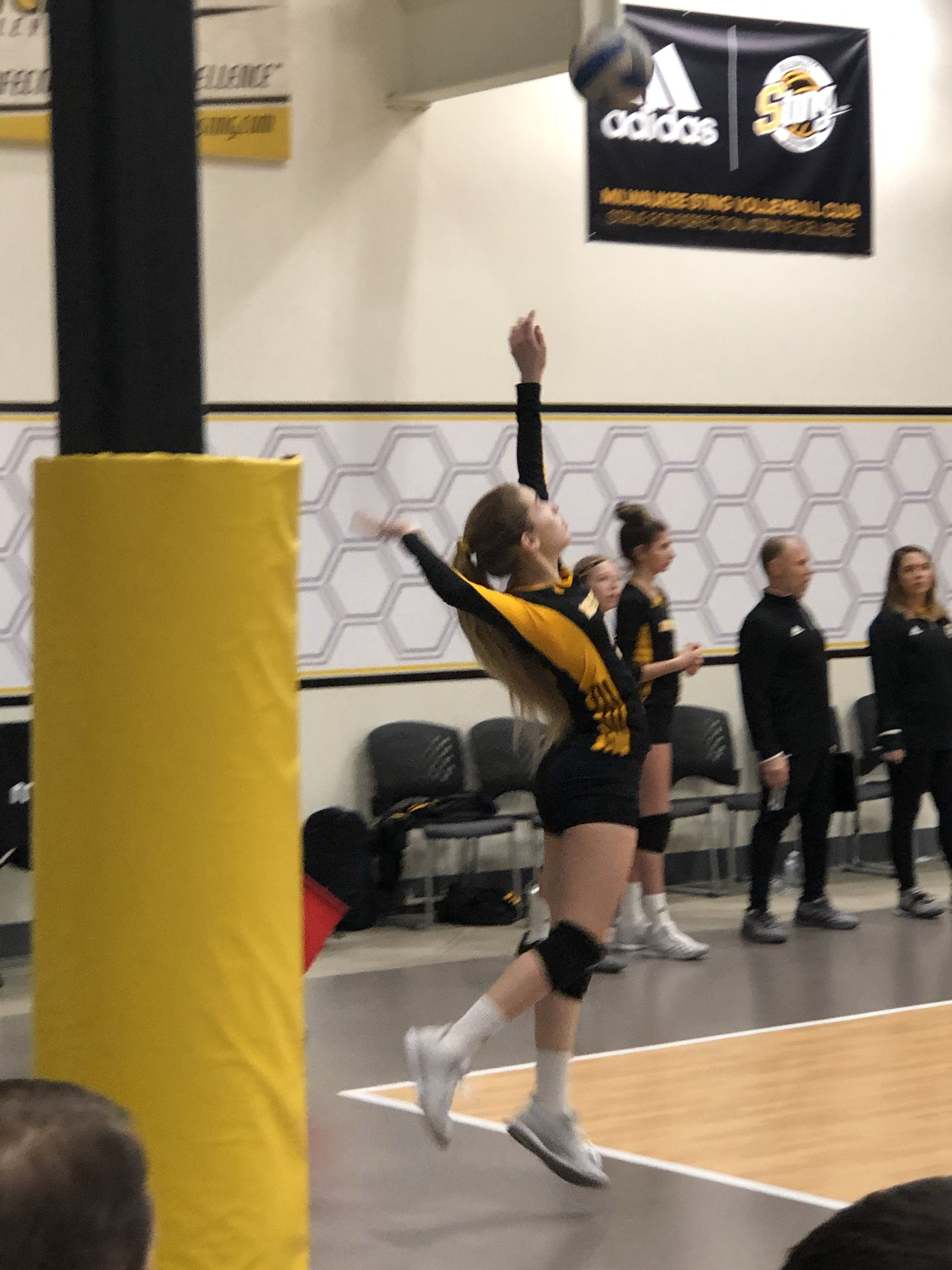 Pin By Jazmin Zarate On Fisico De Hamball Volleyball Team Volleyball Volley