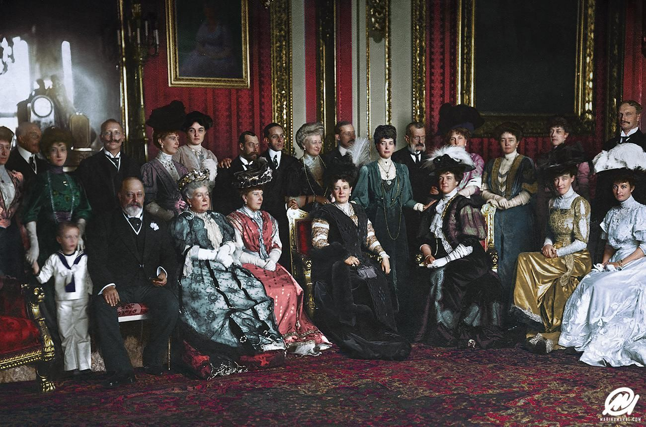 19 Fascinating Photos Collected From History History Windsor Castle History Photos