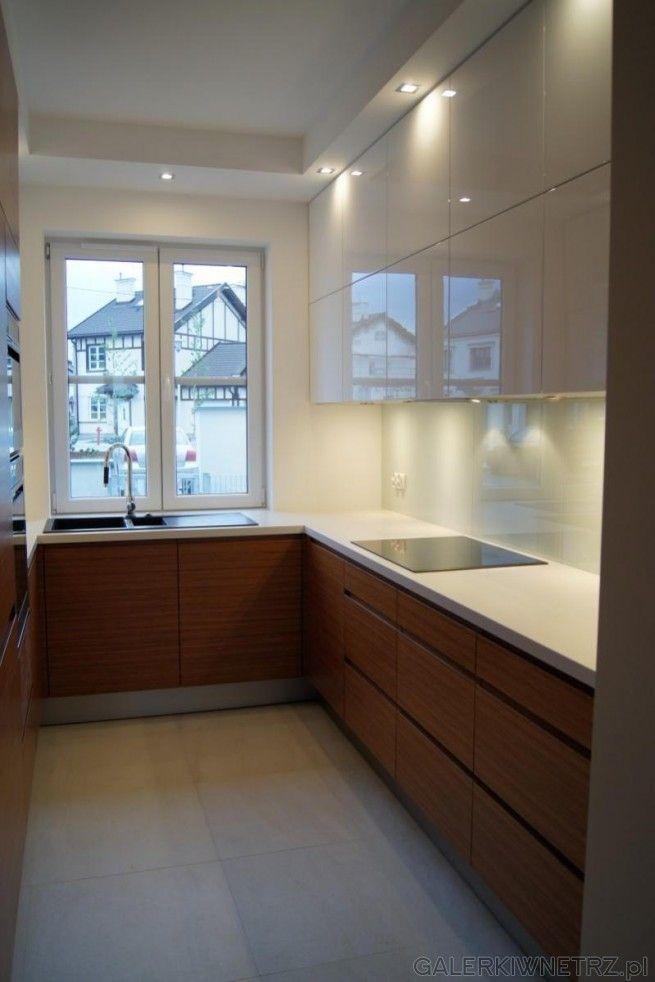 Znalezione Obrazy Dla Zapytania Waska Dluga Kuchnia White Modern Kitchen Kitchen Window Design Kitchen Modular