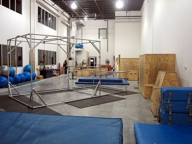 Kee Klamp Parkour Structure at Base Fitness by Simplified Building Concepts, via Flickr