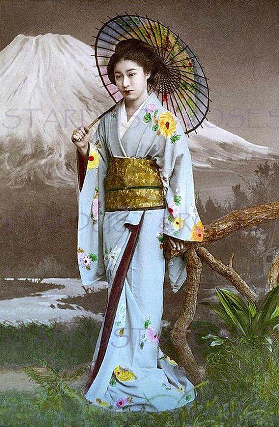 GEISHA GIRL ASIAN JAPANESE UMBRELLA TINT PHOTOGRAPH VINTAGE CANVAS ART PRINT
