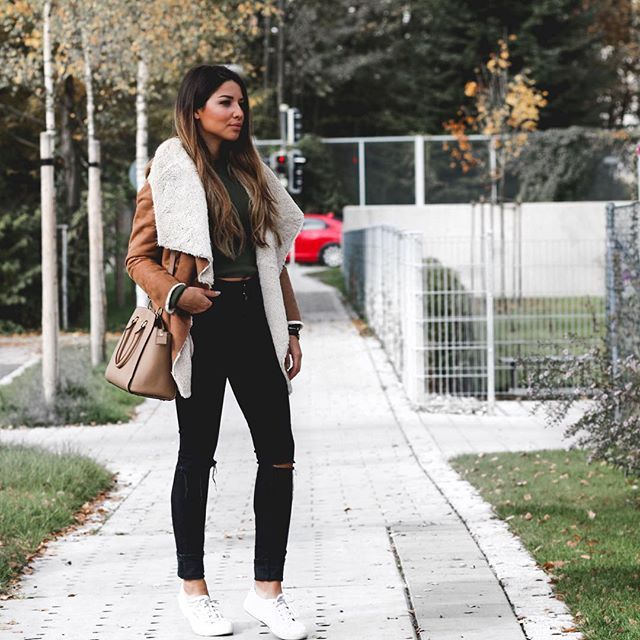 FULL LOOK ✨ www.official-dressed.com #officialdressed #wednesday #streetstyle