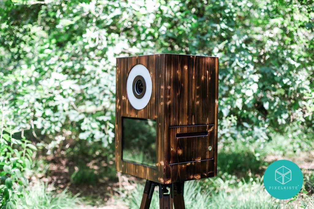 Die Retrokiste Die Mobile Fotobox Im Neuem Look Perfekt Fur Deine Hochzeit Oder Dein Event Stylisch Rustikal Und Dennoch Edel Fotobox Fotobox Hochzeit Box