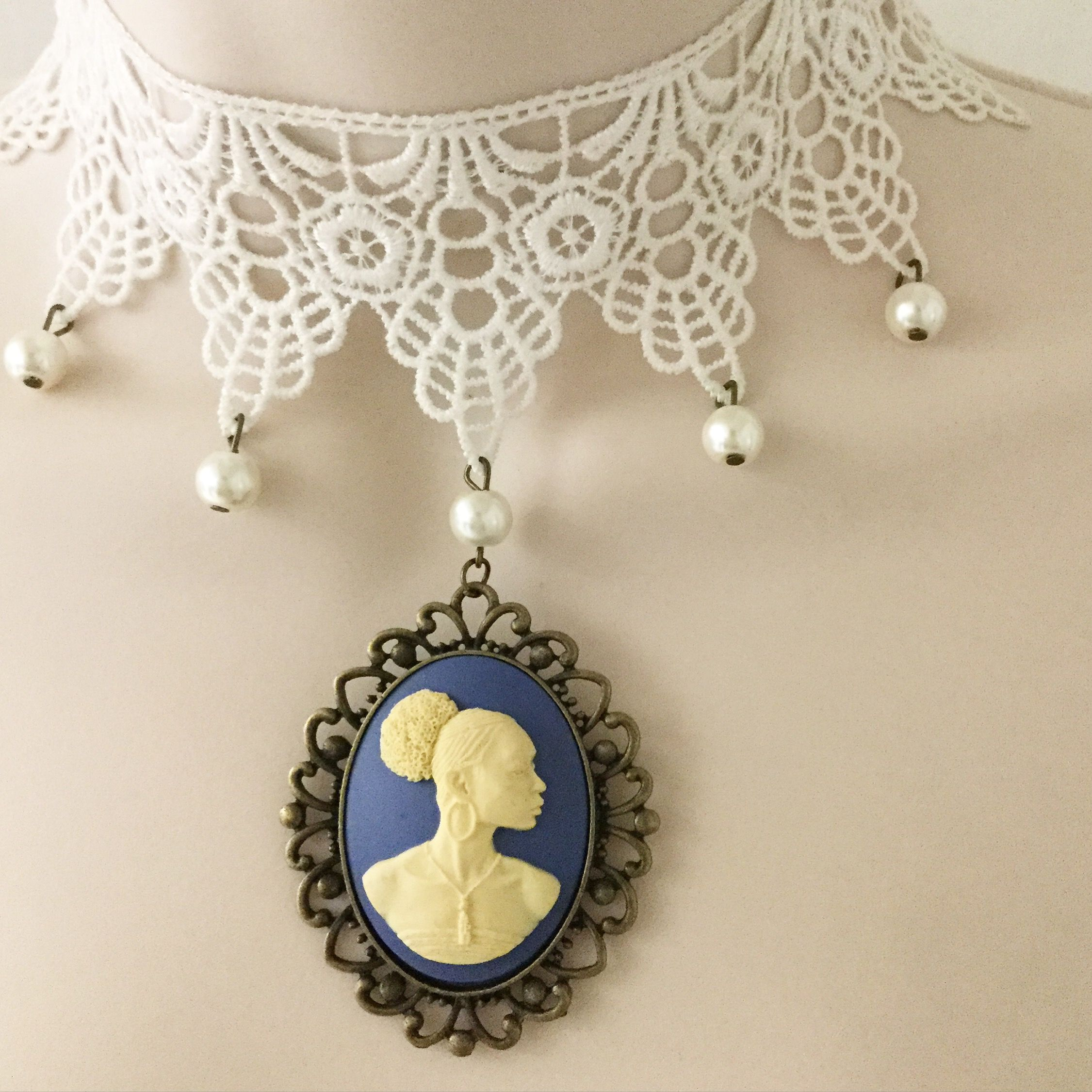 CHOKER NECKLACE Beautiful, carved Vintage antique style Cameo ...