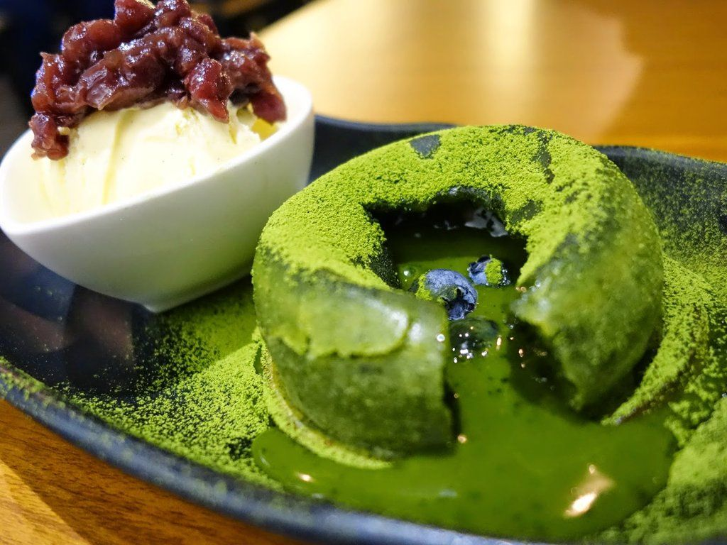 recipe for matcha green tea lava cake organic green. Black Bedroom Furniture Sets. Home Design Ideas