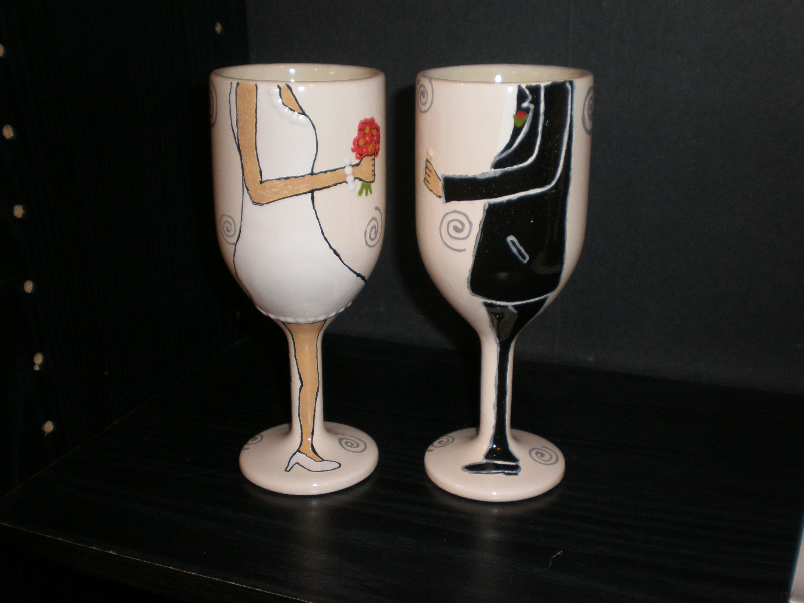 How Cute Are These Bride And Groom Wine Glasses Thepaintedpeacock