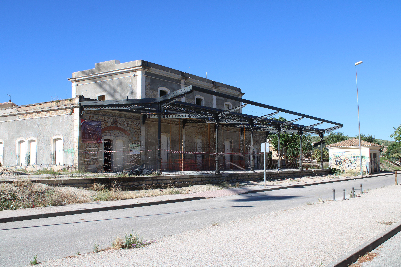 zona de los andenes de la antígua estación de ferrocarril de Martos