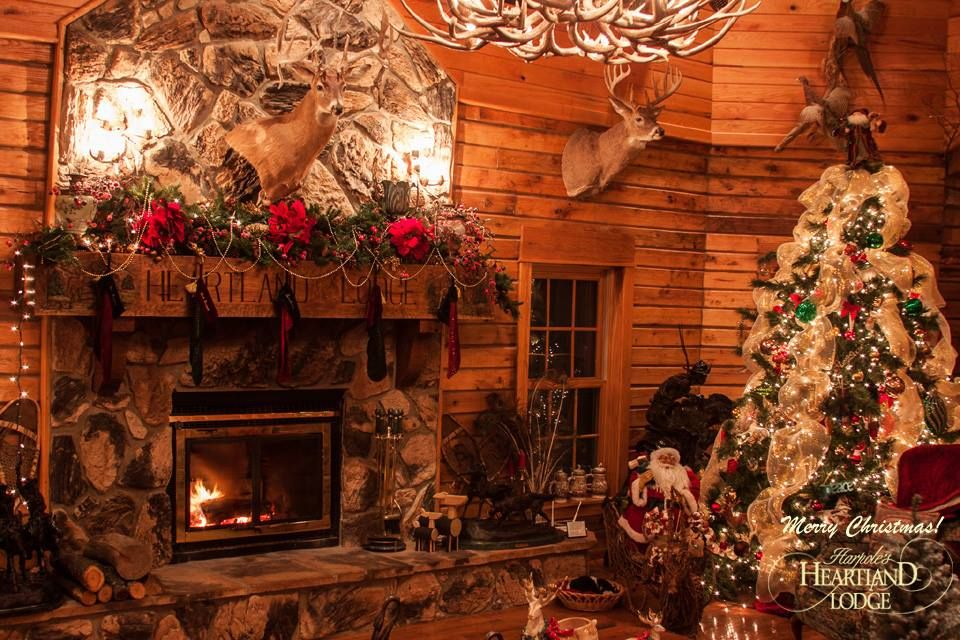 """""""Christmas at The Lodge"""" Rustic cottage, Lodges"""