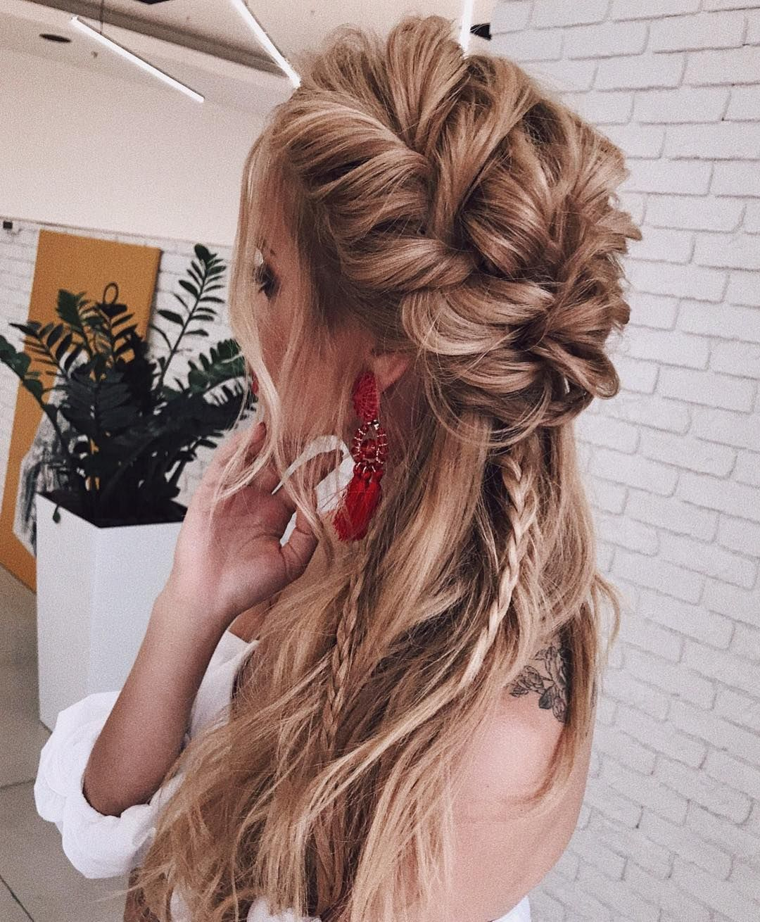Gorgeous half up half down hairstyle inspiration
