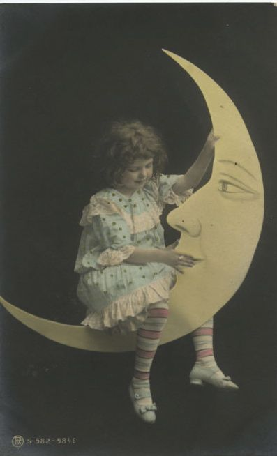 Edwardian paper moon photo.