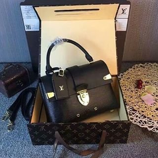 70ed959bfe554 LOUIS VUITTON Hermes Kelly