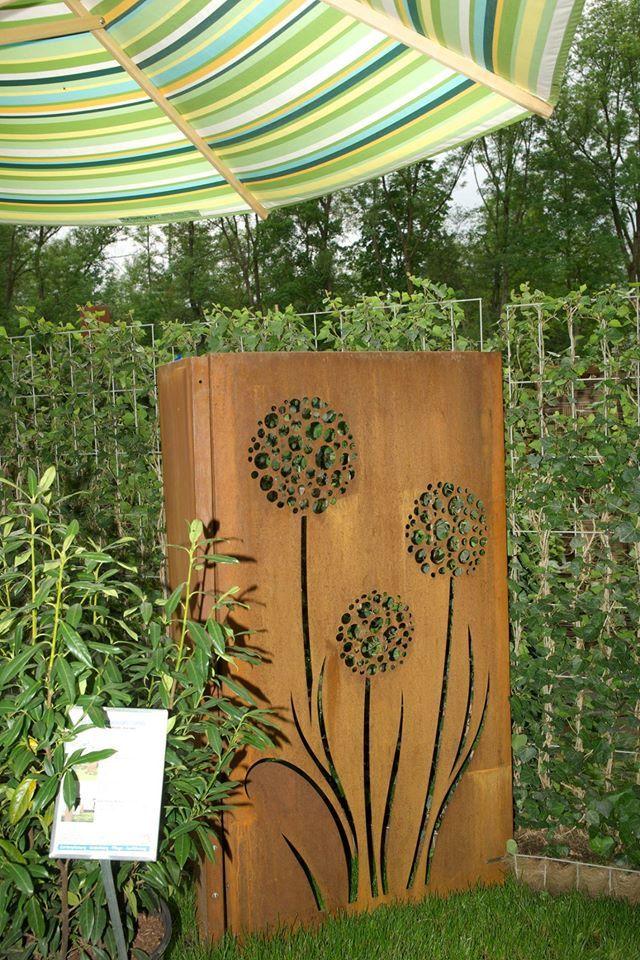 sichtschutz aus cortenstahl sichtschutzelement f r den garten sichtschutzlabyrinth. Black Bedroom Furniture Sets. Home Design Ideas