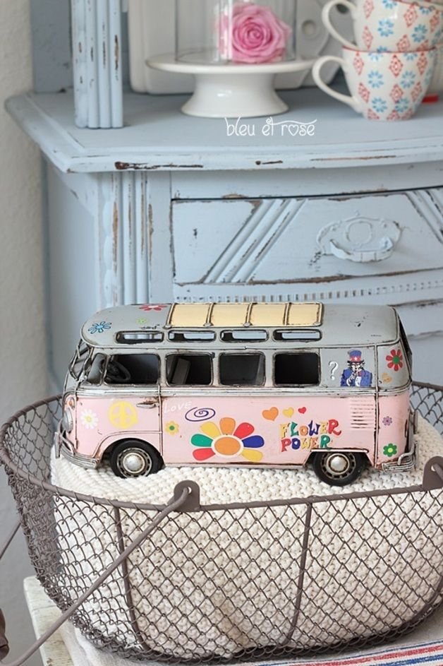 vw bus vw vw bus modellauto et volkswagen. Black Bedroom Furniture Sets. Home Design Ideas