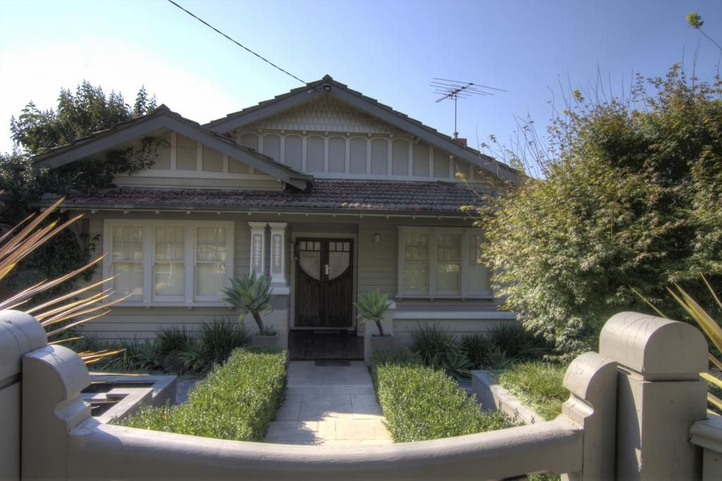 Style ideas exteriors contemporary additions to for Californian bungalow front door