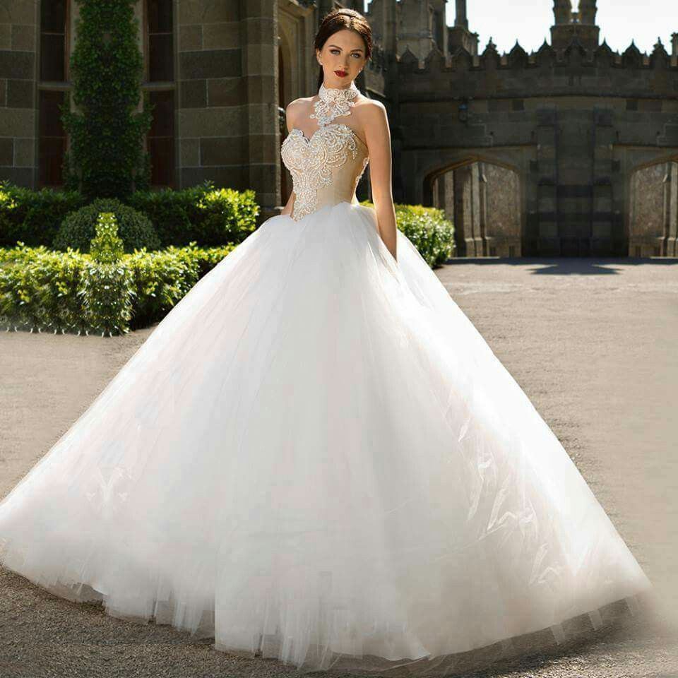 Pin von Claribel Gonzalez auf wedding gowns, dresses etc... | Pinterest