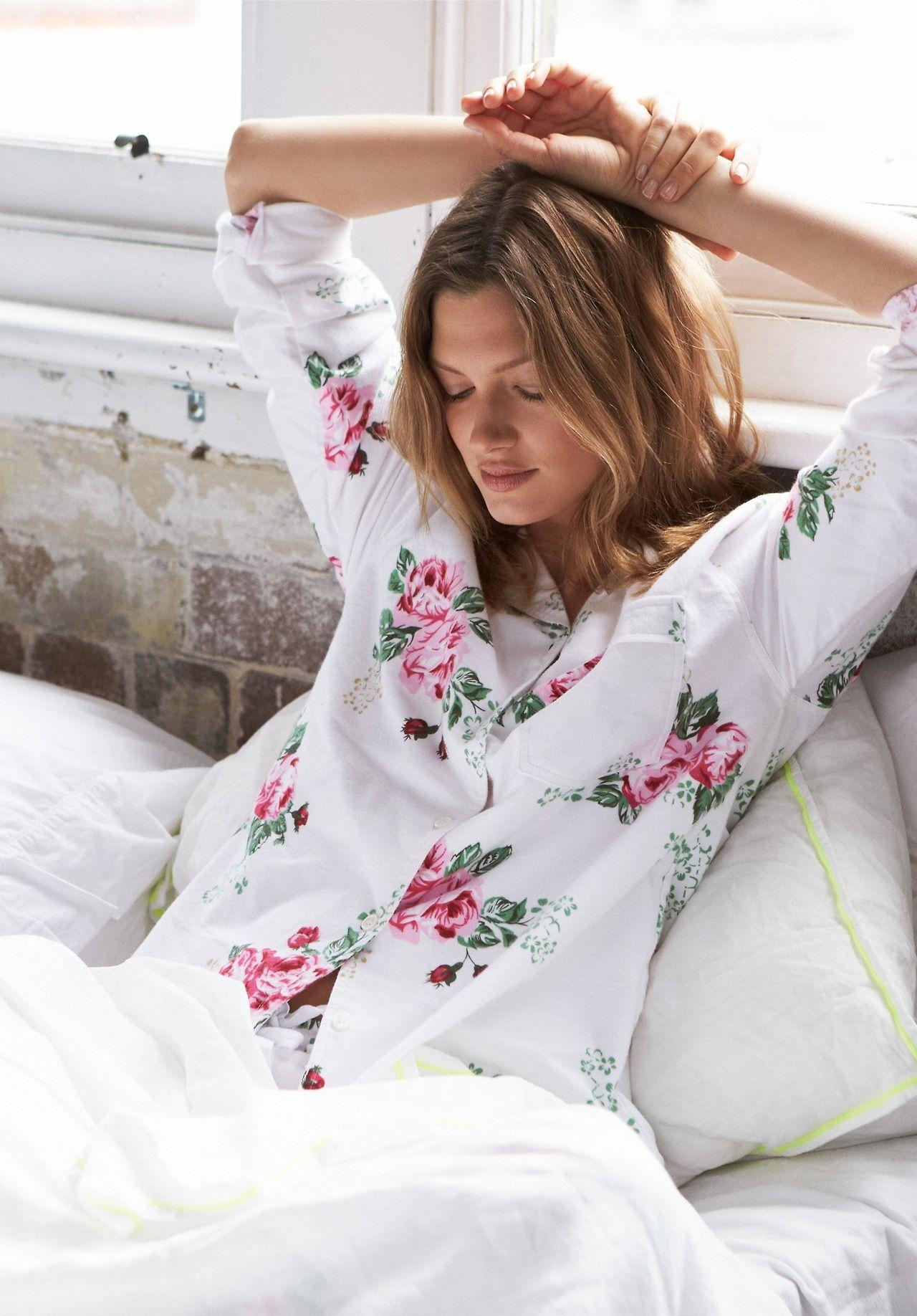 c3c287f52b4fa0 4 Ways to Avoid Getting Sick While Traveling Cosy, Sunday Morning, Lazy  Sunday,