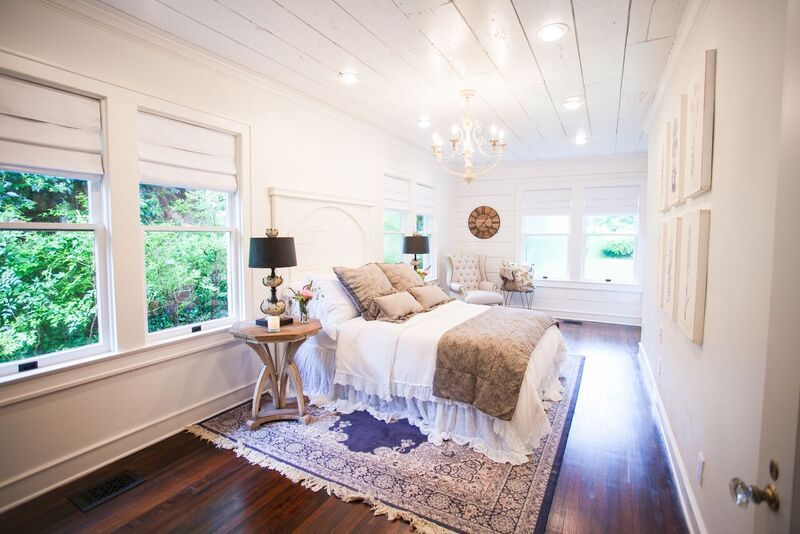 Fixer upper season 3 magnolia homes fixer upper pinterest bedrooms magnolia farms and Fixer upper master bedroom pictures