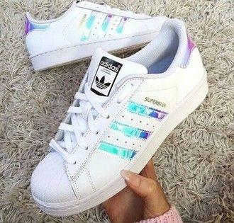 salato Sito di previsione Discoteca  shoes metallic shoes adidas shoes adidas superstars adidas holographic superstar  originals white low top sneakers white sneakers girly girl … | Adidas shoes  women, Adidas shoes, Adidas women