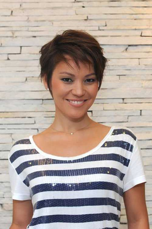 Easy Short Straight Hairstyles 1