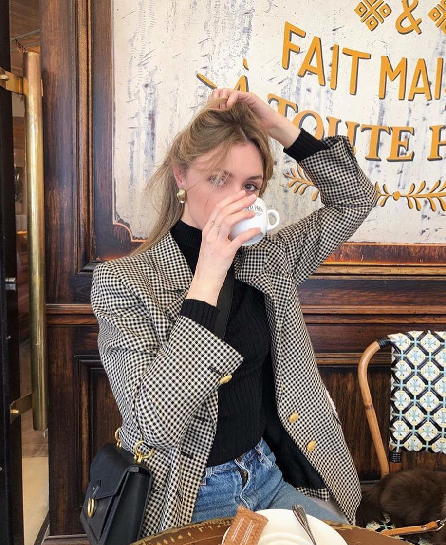 "@parisianvibe on Instagram: ""💕💕(Photo: @lucie.rose.mahe )ootd #ParisianVibe #frenchvibes #ParisMonAmour #parisienne #parisian #loveit #fashion #amour #lamour…"" 1"