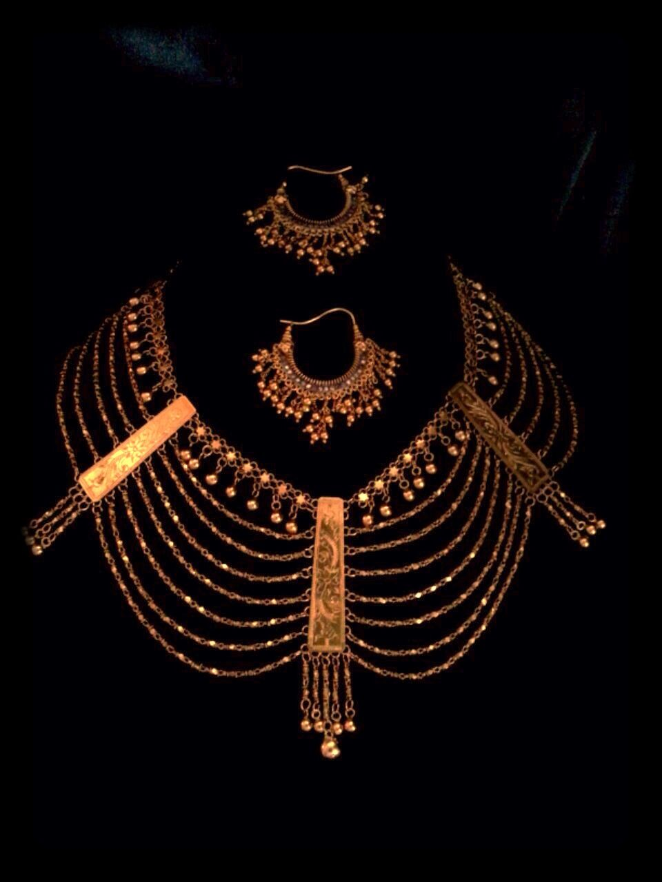 Antique Indian gold necklace and earrings Himachai Pradesh ca.19 ...