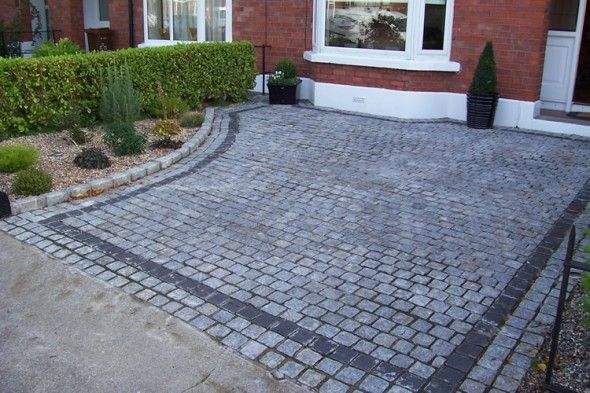Minimalist Awesome And Fresh Driveway Garden With Natural Stone