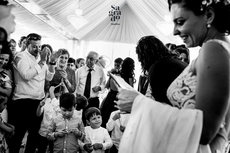 Pin En Best Wedding Pics Best Wedding Photographers