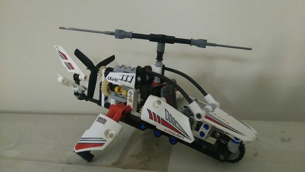 Lego Technic Ultralight Helicopter Set 42057 Complete Beards