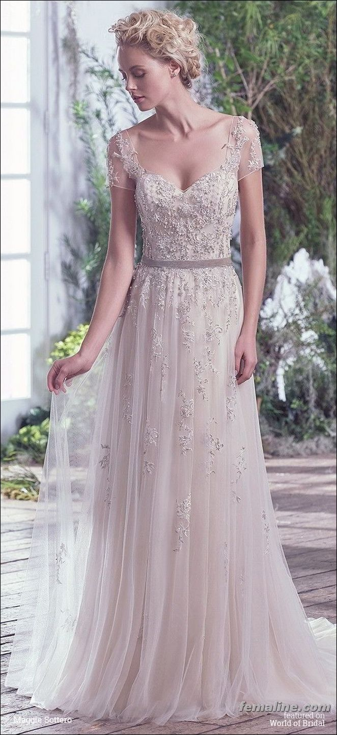 short sleeve wedding dress trend