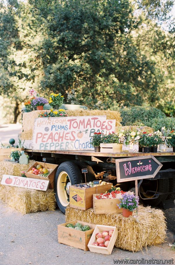 Country markets by the side of the road. Farm stand
