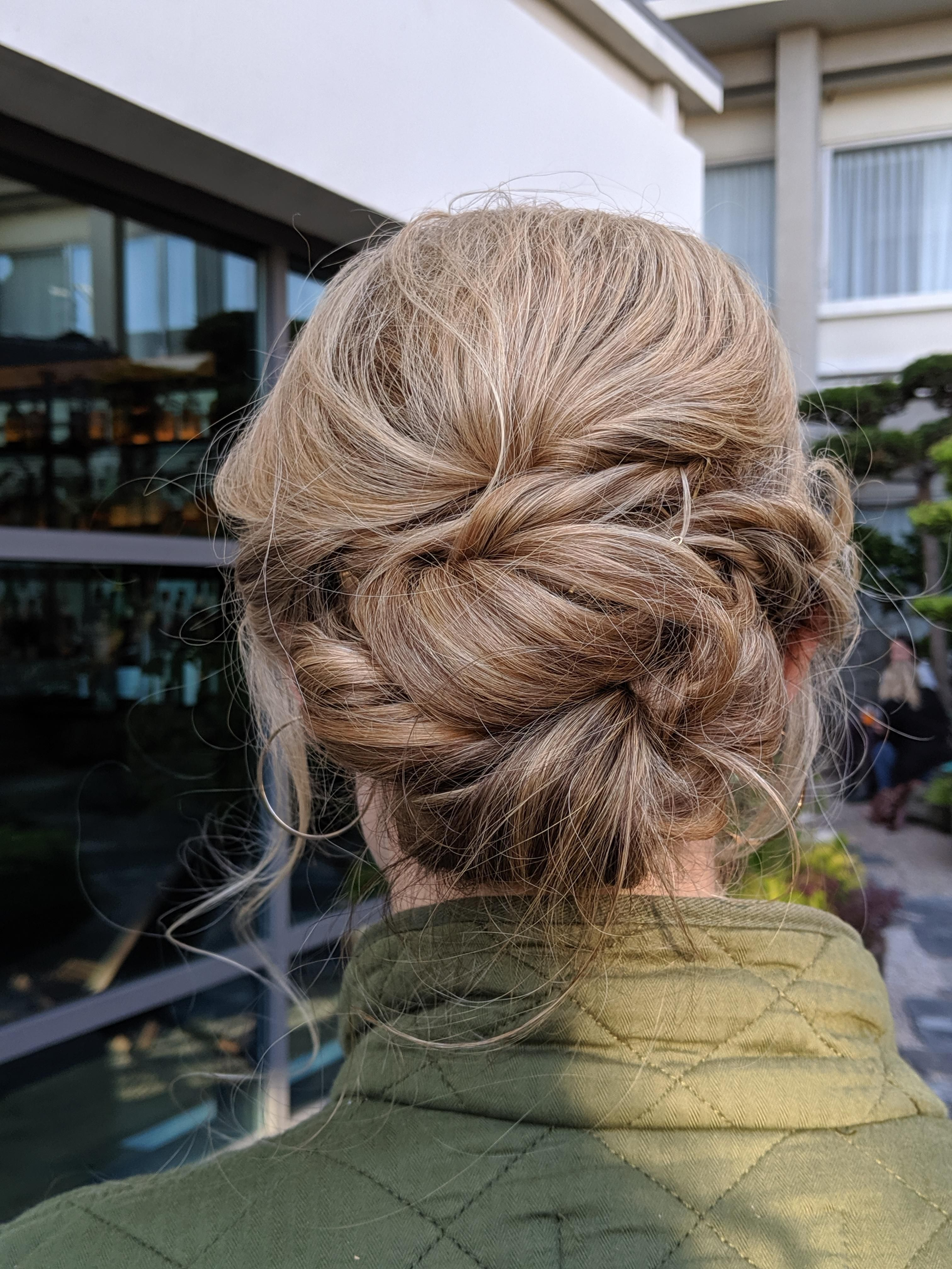 Pin by Claire Preising on wedding hair & beauty | Wedding hair beauty, Undone hair, Wedding ...