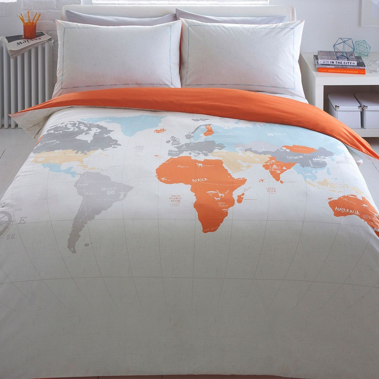 Capturing his cool and contemporary style this bedding set is ben de lisi home light grey world map print bedding set gumiabroncs Images