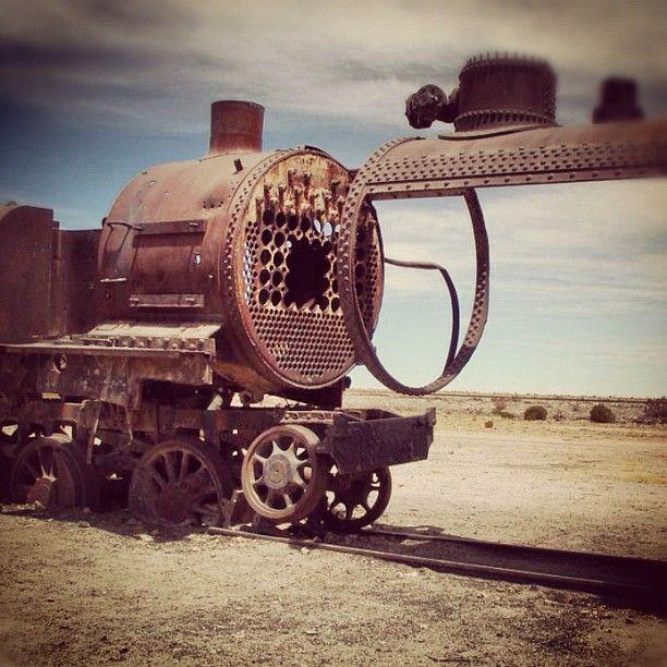 Cementerio de trenes #bolivia #potosi #trenes #train #uyuni #Padgram