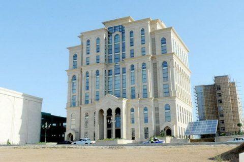 Yap In Gəliri 7 Milyondan Cox Musavatin Gəliri 7 Mindən Azdir House Styles Mansions Structures