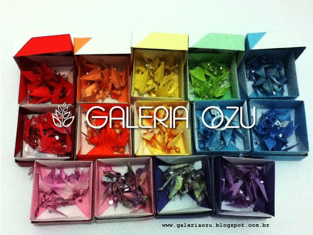 origami tsuru mobiles with boxes (by Tomoko Fuse)  #tsuru #crane #mobile #box #origami #galeriaozu #indaiatuba #saopaulo #paperfolding #folding #origamiart #origamidecor #paper