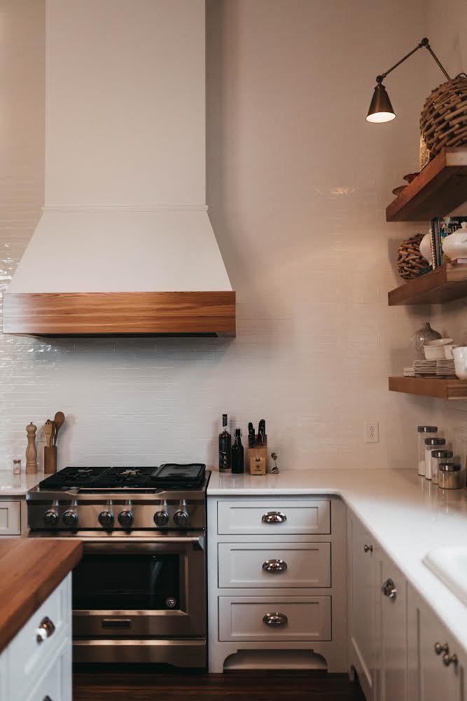 We Service Marietta And Surrounding Cities Country Kitchen Interiors Kitchen Interior Contemporary Kitchen