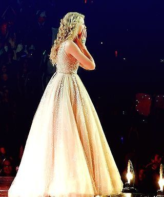 Her Dress 3 Taylor Swift Speak Now Taylor Alison Swift Taylor Swift Pictures