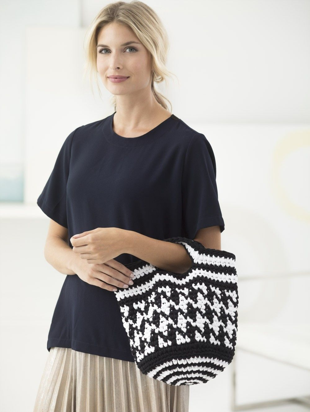 Black And White Bag (Crochet) | Crochet Patterns | Pinterest