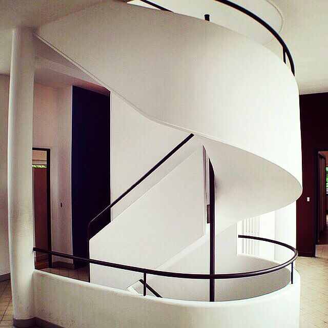 Villa #Savoye in #Poissy, #France - Le #Corbusier   Photo © Bob Trempe   www.bauhaus-movement.com/designer/le-corbusier.html