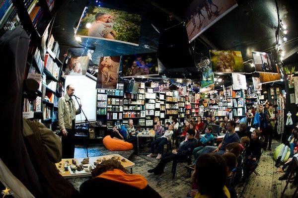 6 уютных книжные магазинов Москвы / Есть в Москве книжные магазины, гостеприимные и уютные, в которых можно и встретиться с друзьями, и обсудить очередную новинку, и побывать на каком-нибудь литературном мероприятии, и просто посидеть, углубившись в[...]
