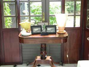 nettoyer un meuble en bois vernis au naturel pinterest. Black Bedroom Furniture Sets. Home Design Ideas