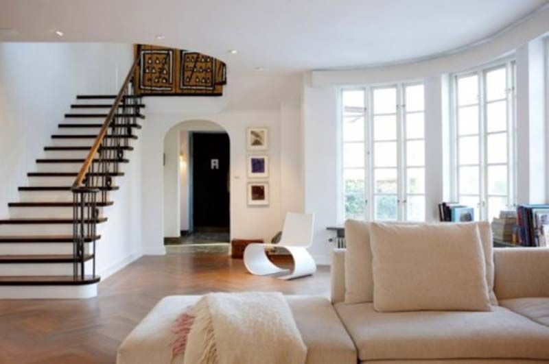 Inside House Designs love that this is so clean and simple but yet so warm and inviting