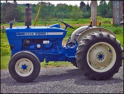1979 Ford 3600 Tractor With Three Cylinder Forty Horsepower Optional Gasoline Or Diesel Engine Tractors Ford Tractors Vintage Tractors