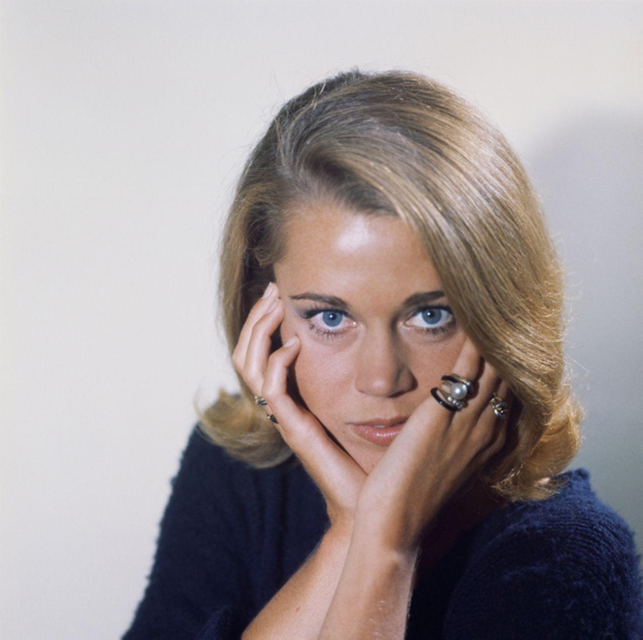 Maria Amapola Cabase (b.1948),Aloma Wright Adult clips Karen Summer,Sarah Lahbati (b. 1993)