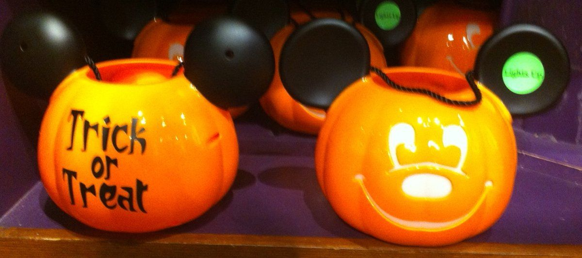 Disney Parks Minnie Mouse  Small Halloween Pumpkin Bucket w// Candy NEW