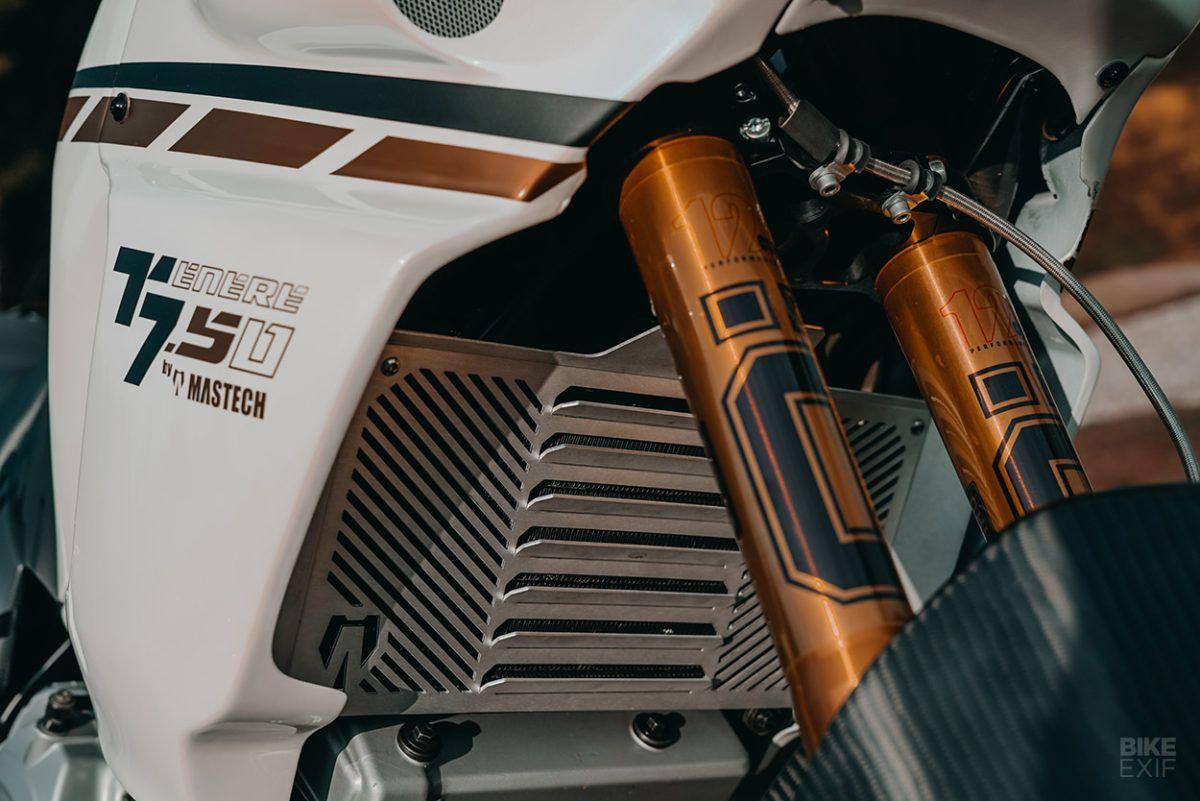 Super Duper Tenere A Yamaha Xtz 750 Restomod In 2020 Yamaha Custom Radiator Ktm 450