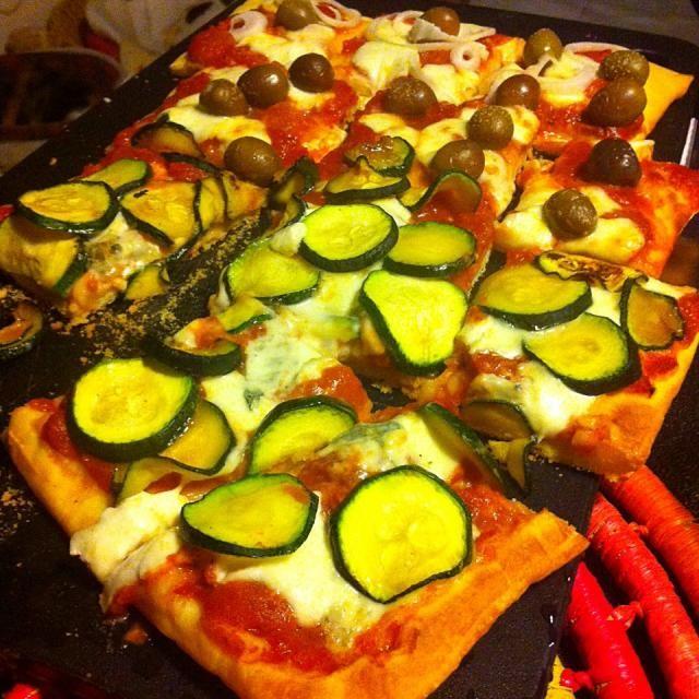 レシピとお料理がひらめくSnapDish - 11件のもぐもぐ - Home made pizza by Stefan Labuschagne